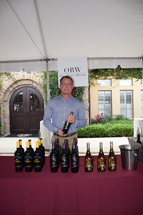 Employee at the ORW wine stand