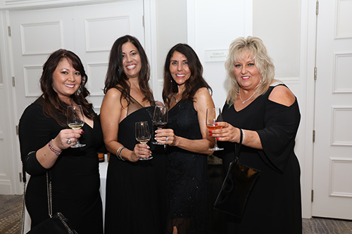 Group photo of ladies with drinks