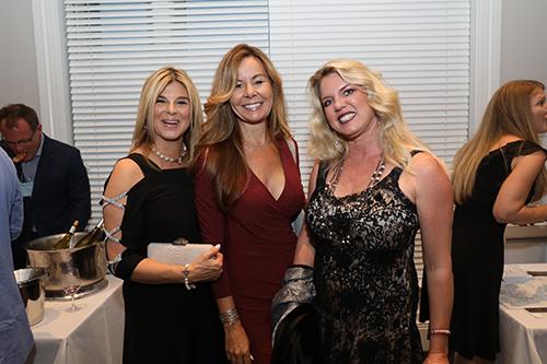 Group photo of ladies