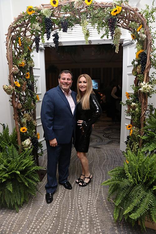 Howard Dvorkin and wife